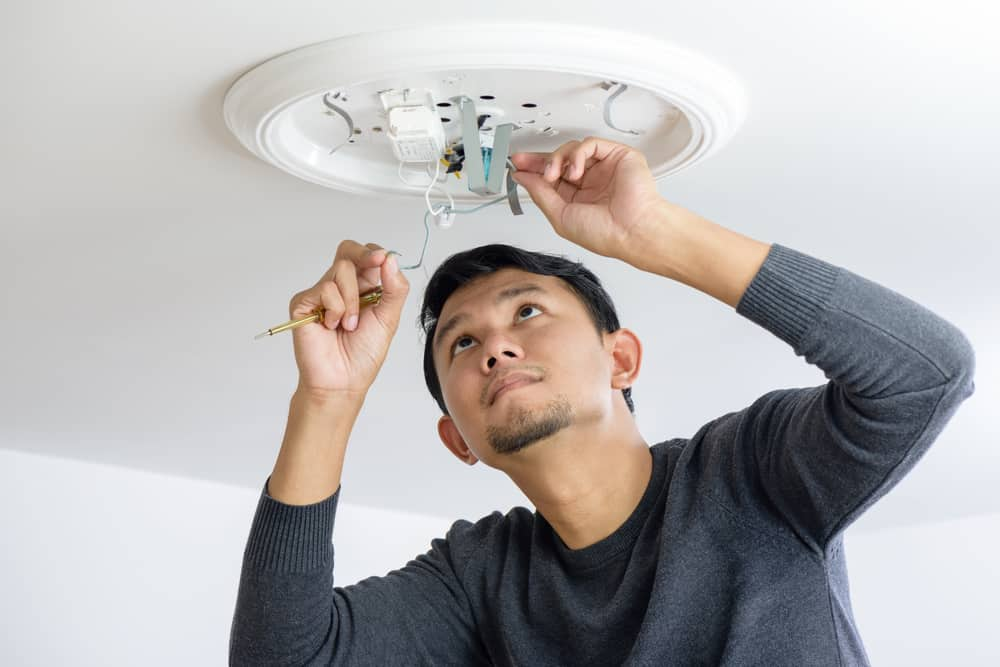 electrician install light singapore